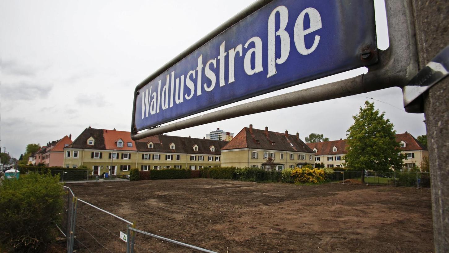 Eine Reihenhauszeile der alten Genossenschaftssiedlung an der Waldluststraße wurde zur Enttäuschung vieler Anwohner bereits plattgemacht. Um neu zu bauen, könnten auch andere alte Gebäude bald der Abrissbirne zum Opfer fallen.