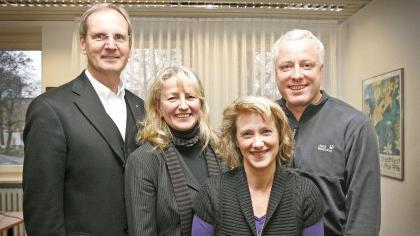 Die Doktoren (v. li.) Roland Hanke, Doris Frauendorf, Annelie Eitel und Robert Crahe arbeiten zusammen. Nicht im Bild: Teammitglied Roland Leger.