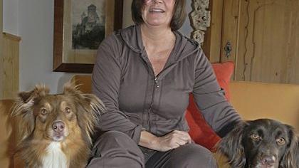 Bein gips hund gebrochen Freundin, Bein
