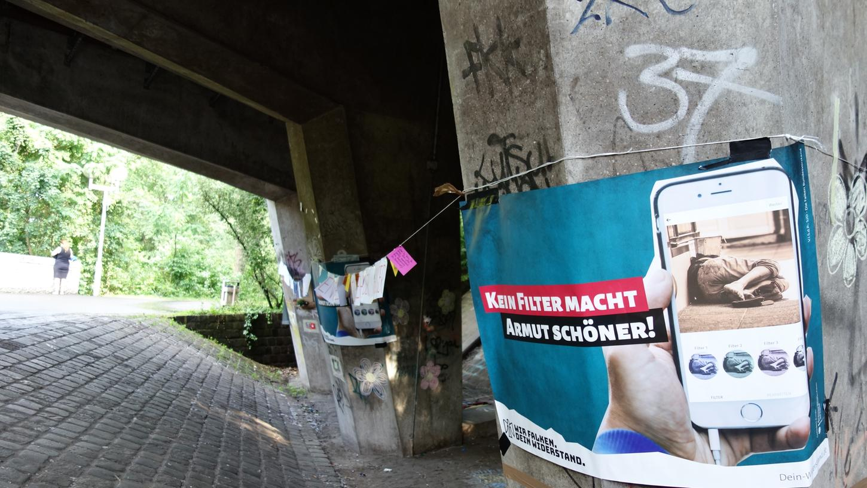 Kein Filter macht Armut schöner: Die Sozialistische Jugend-Die Falken hat auf die Malaktion der angehenden Erzieher geantwortet.