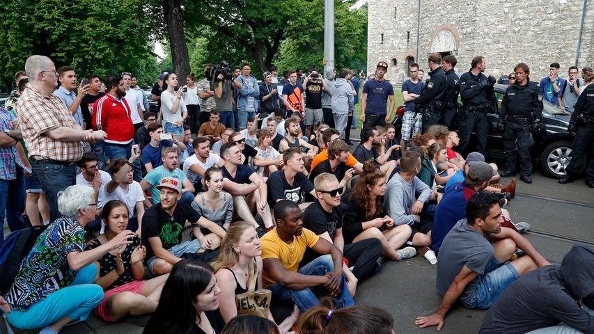 Abschiebung: Tumulte bei Polizeieinsatz vor Berufsschule