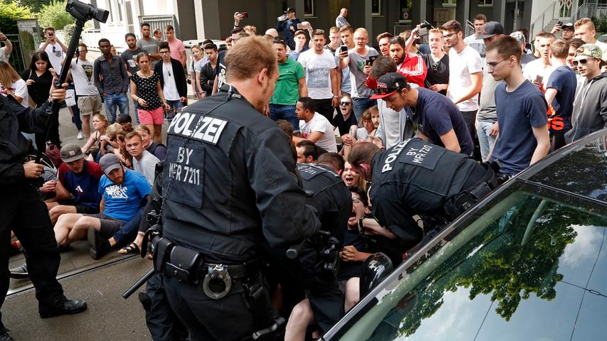 RESSORT: Lokales ..DATUM: 31.05.17..FOTO: Michael Matejka ..MOTIV: Aktion gegen Abschiebung an der Berufsschule am Berliner Platz..ANZAHL: 1 von 48..