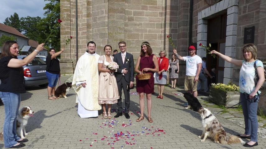 Vor vier Jahren liefen sich Ilona Riel aus Berngau und Lukas Lebherz aus Freystadt das erste Mal über den Weg und fanden sich sympathisch. Im Laufe der Zeit entwickelte sich daraus die große Liebe, die beide nun mit dem Eheversprechen in der Wallfahrtskirche