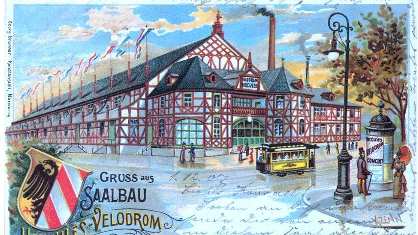 Damit die Menschen das neue Gefährt auch zu beherrschen wussten, errichteten einige Hersteller auch Fahradschulen. Hier eine Postkarte vom Hercules-Velodrom, das sich auch zum damals wichtigsten Versammlungsort Nürnbergs entwickelte.