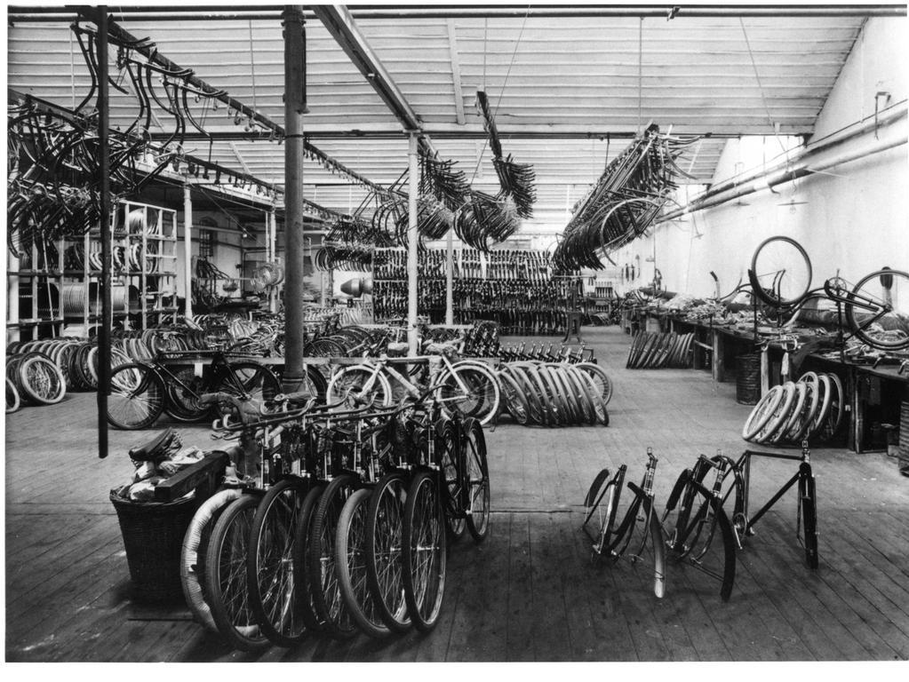 Marschütz' Firma entwickelte sich schnell zu einem der größten Hersteller in Europa. Die 1886 gegründete Velozipedfabrik Hercules (hier ein Bild der Produktionsräume im Jahr 1930) war jedoch nur eine von vielen Firmen in Nürnberg.