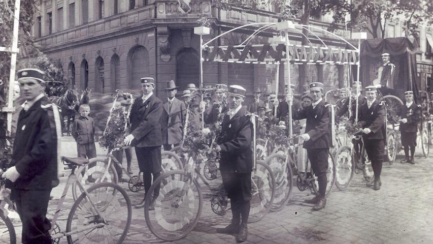 Und auch dem Vereinsleben verlieh das Fahrrad neue Impulse. Unter anderem wurden zahlreiche Radfahrvereine in der Region gegründet.