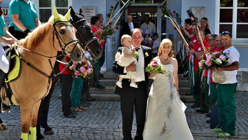 Im Standesamt in Deining haben sich Daniela Huml und Peter Häring aus Tartsberg bei Pilsach das Ja-Wort gegeben. Die Standesbeamtin Melanie Moosburger sagte während der Trauung zu dem Brautpaar:
