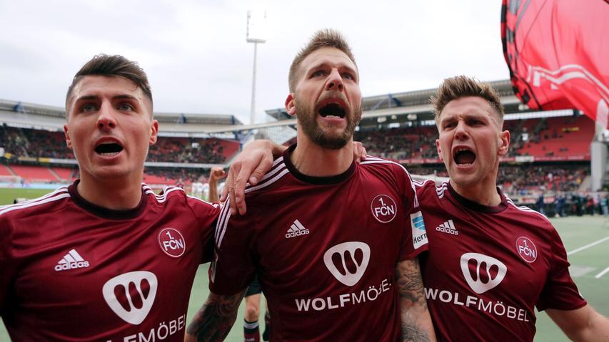 Beim Heimtrikot bleibt es klassisch. Auf den ersten Blick ist das neue Design kaum vom Vorgänger zu unterscheiden. Der Unterschied: Plötzlich hat der 1. FC Nürnberg Erfolg.