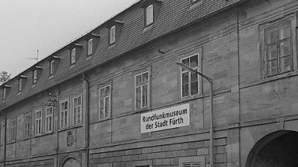 Der von Oberbürgermeister Thomas Jung forcierte Plan des Umzugs des Rundfunkmuseums von der Ufer- in die Innenstadt im Sommer 2011 hat gestern Nachmittag die erste politische Hürde genommen. In einer ...