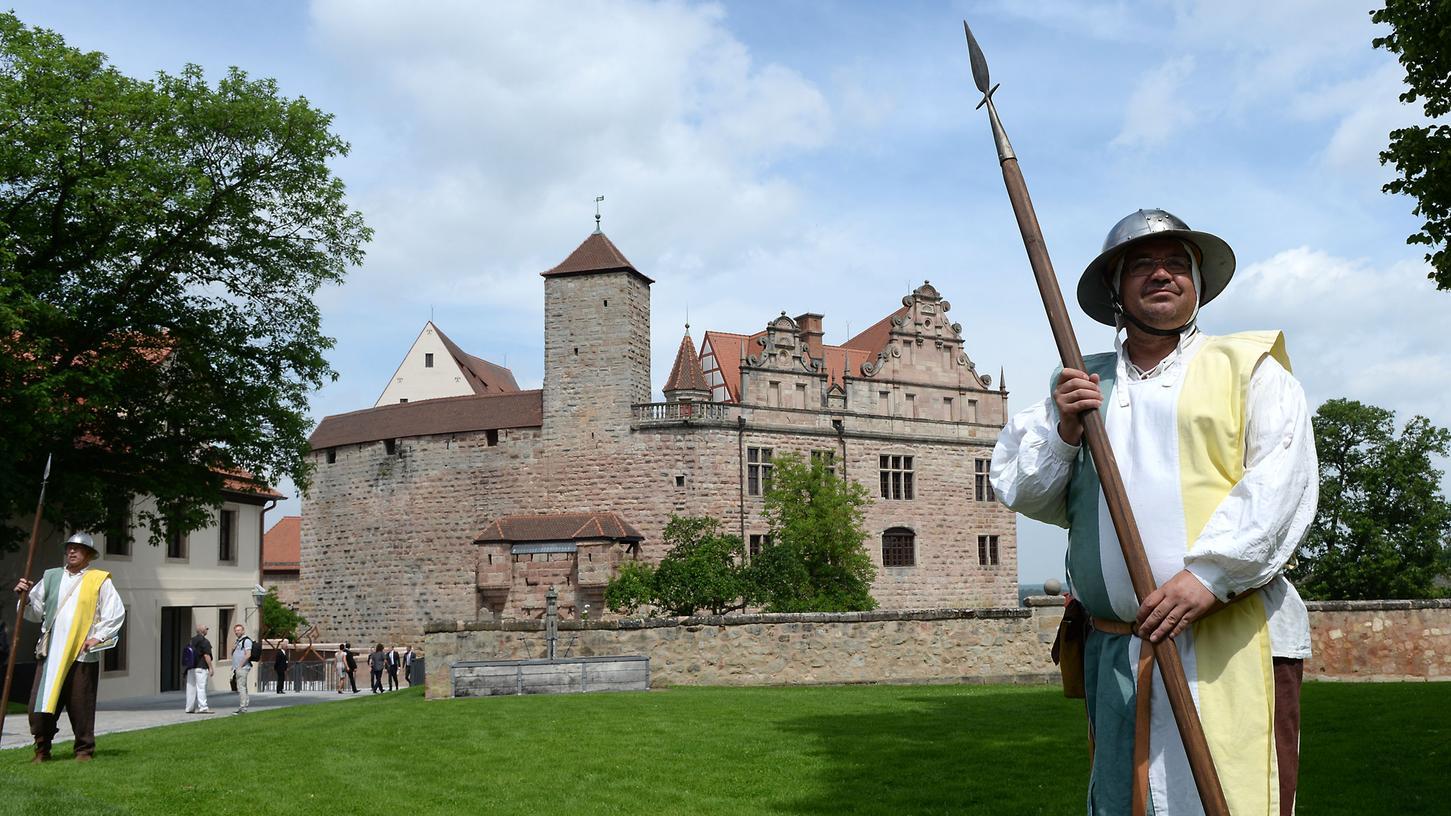Strammgestanden! Das neue Burgmuseum in Cadolzburg ist authentisch, daran gibt es kaum Zweifel.