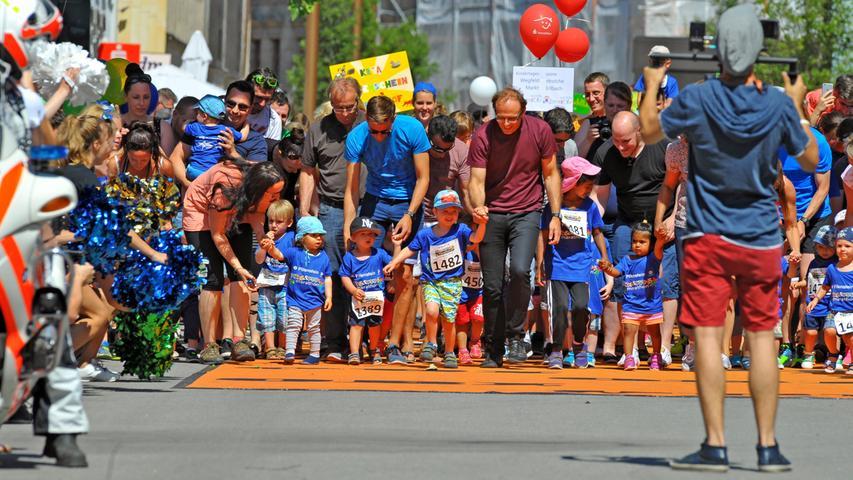 Motiv:Metropolmarathon, Kids- & Teens-Marathon rund um die Fuerther Freiheit..Foto:André De Geare..Datum:240617