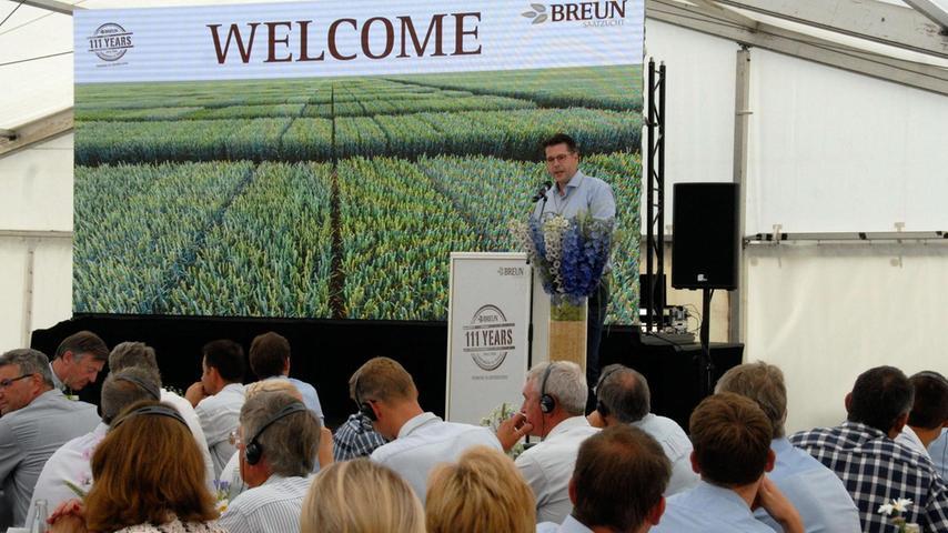 """""""Saatzucht Breun"""" hat 2017 mit einem Fest an die Gründung des Familienunternehmens vor 111 Jahren erinnert. In Steinbach war ein großes Zelt aufgebaut worden. Kunden und Vertriebspartner, alte Weggefährten, Politiker und Agrarexperten wurden von Firmenchef Martin Breun (Foto) begrüßt."""