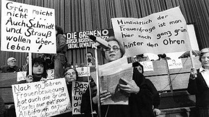 Unzufrieden mit der neuen politischen Gruppierung: Auf dem Gründungsparteitag der Grünen forderten auch die Feministinnen ihr Recht.
