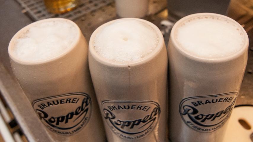 Okay, üblicherweise gibt es in Oberfranken keine Biergärten. Wir nennen es Bierkeller. Außer Frage steht hingegen, dass es bei uns die besten Biere der Welt gibt. Und das von der Brauerei Roppelt in Stiebarlimbach ist eines davon. Am besten zu genießen im Biergarten. Oder Keller. Wie auch immer.