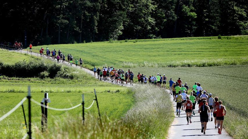 Sehr beliebt im Sommer, wenn er in Corona-Zeiten stattfinden kann: DerFrankenweg-Lauf (Bild) in der Fränkischen Schweiz, hier aufgenommen nahe Gößweinstein.
