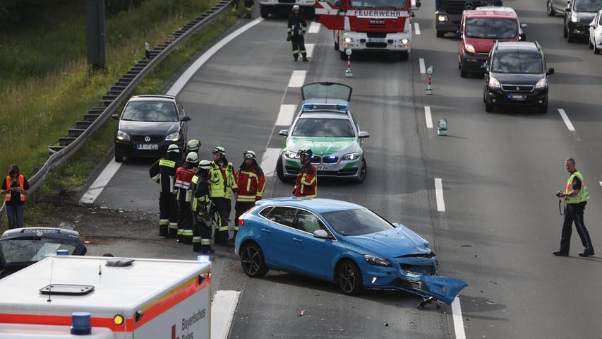 Unfall auf A3 sorgt für langen Stau im Berufsverkehr