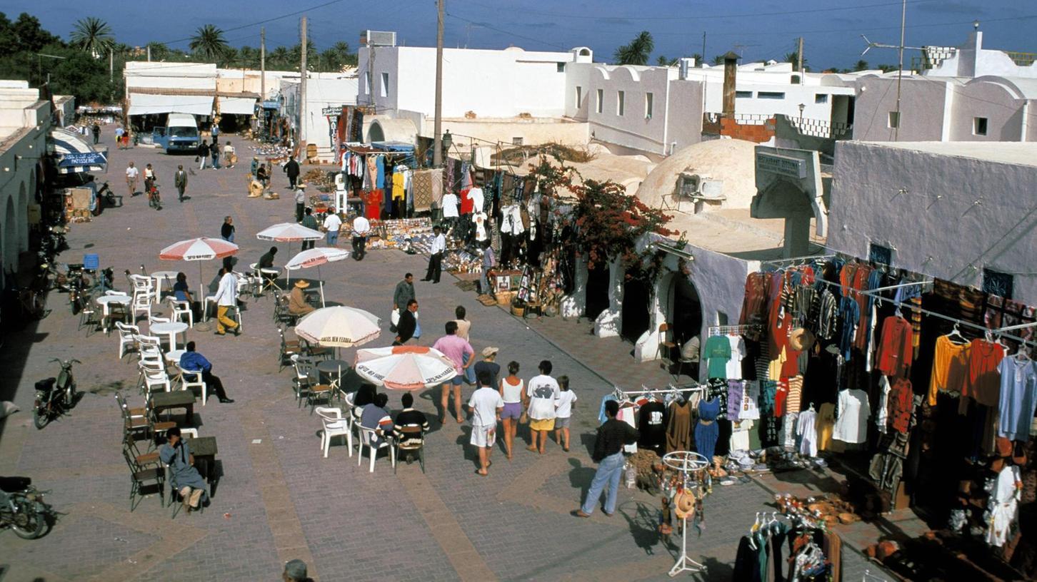 Durch eine Projektpartnerschaft ist Fürth neuerdings mit der tunesischen Stadt Midoun verbunden, die im Nordosten der Insel Djerba liegt.