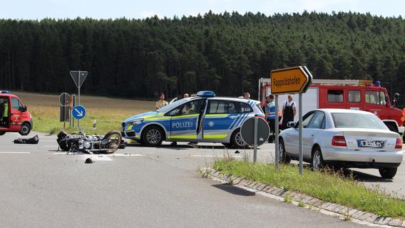 Von VW erfasst: Motorradfahrer stirbt bei Diespeck