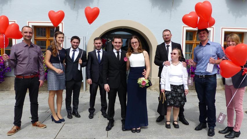 Eine seit 17 Jahren währende Schülerliebe findet ein Happy End: Im Freystädter Rathaus haben Claudia Semrau aus Heideck und Daniel Klinger aus Thannhausen ihr