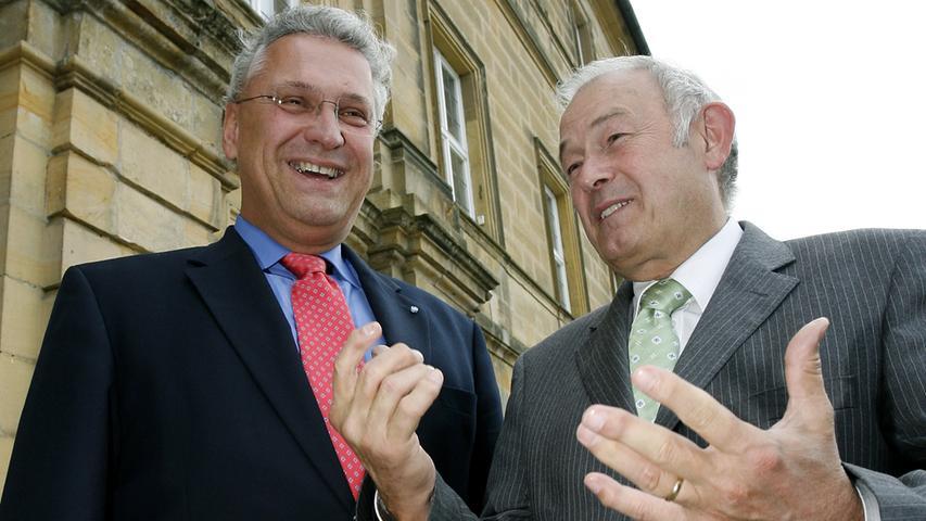 CSU-Fraktionsvorsitzender Joachim Herrmann (links) und Innenminister Günther Beckstein auf Kloster Banz. Das Treffen auf der Herbstklausur 2007 stand im Zeichen des Klimaschutzes.