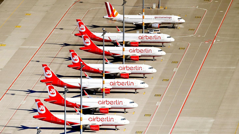 Neue Möglichkeiten für die 2500 gekündigten Air-Berlin- Beschäftigten sollen sich unter anderem auf einer für Freitag geplanten Jobmesse in der Zentrale des Unternehmens eröffnen.