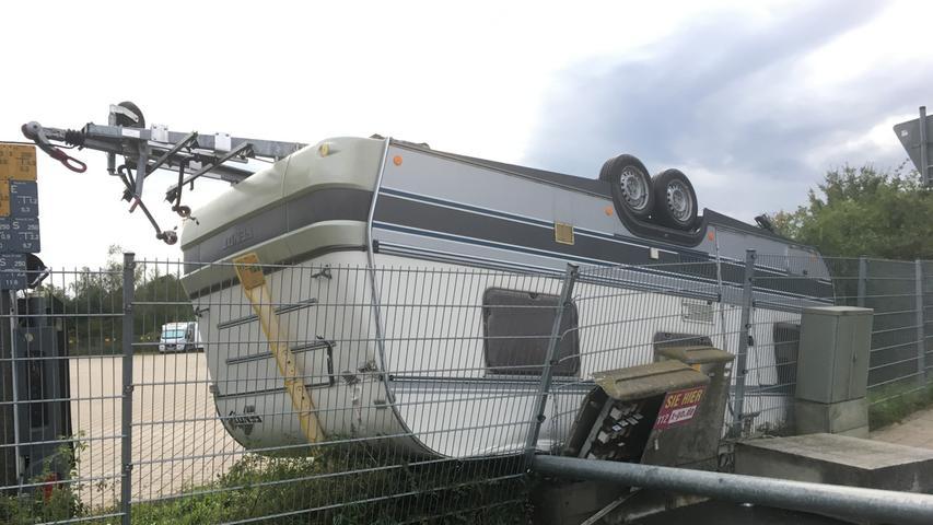 Der Wind machte auch vor Wohnmobilen keinen Halt.