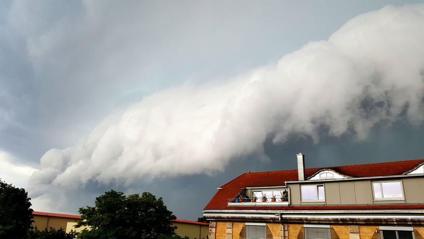 Walzwolke vor dem Unwetter vom 18. August 2017. Leserfoto.