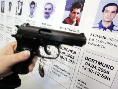 Das achte Opfer: In Dortmund wurde der 39-jährige Türke Mehmet Kubasik mit einer Pistole »Ceska« (im Bild ein baugleiches Modell) erschossen.