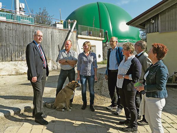 Noch vier Jahre lang kann die Familie Rupp von der Treuchtlinger Kohlmühle ihre Biogasanlage zur Hälfte mit Mais betreiben. Bis 2021 schreibt das Erneuerbare-Energien-Gesetz (EEG) dann eine Reduzierung auf 44 Prozent vor.