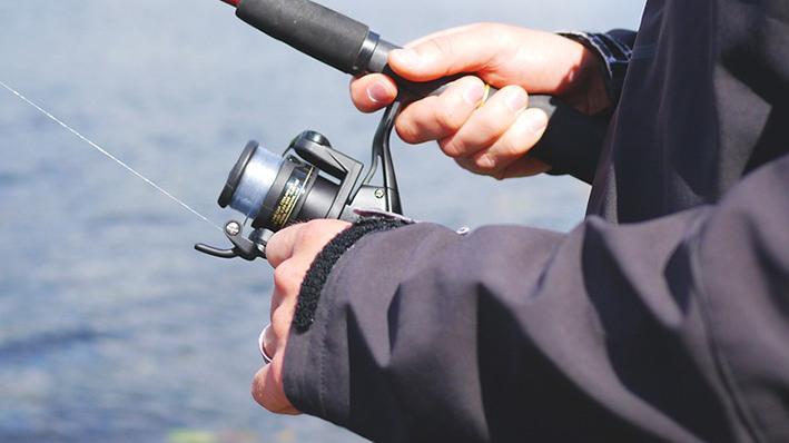 Angler an der Aisch verstoßen gegen Ausgangssperre und Tierschutzgesetz