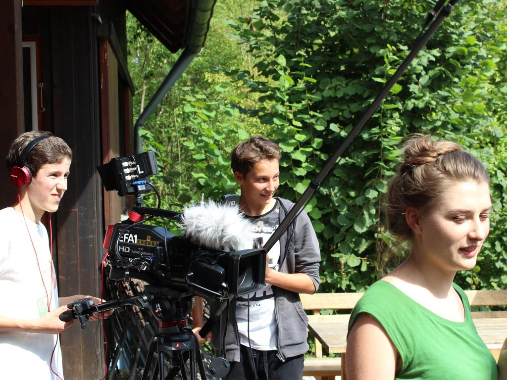 Motiv: Beim Mediencamp des Kreisjugendrings Erlangen-Höchstadt in Vestenbergsgreuth drehen Jugendliche zwischen 12 und 14 Jahren einen eigenen Film. Foto: Silvia Schulte