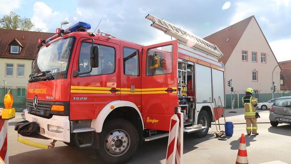 Kollision bei Kasernenauffahrt: Feuerwehreinsatz blockiert