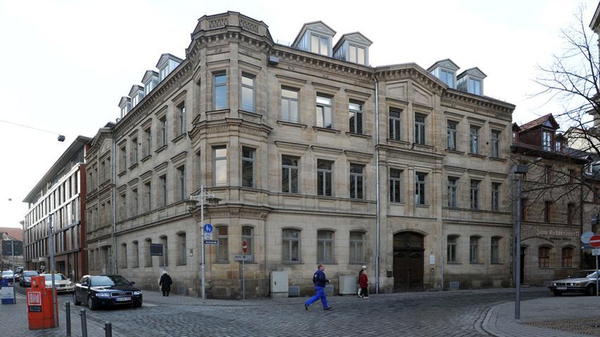 Die Hirschenstraße putzt sich heraus - Das Technische Rathaus am Eingang zur Hirschenstraße war eines der ersten sanierten Gebäude...