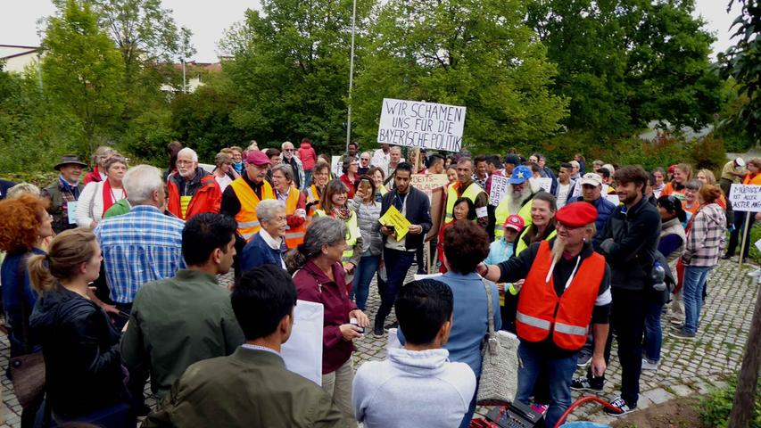 Neustadt: Proteste für das Recht von Flüchtlingen auf Arbeit
