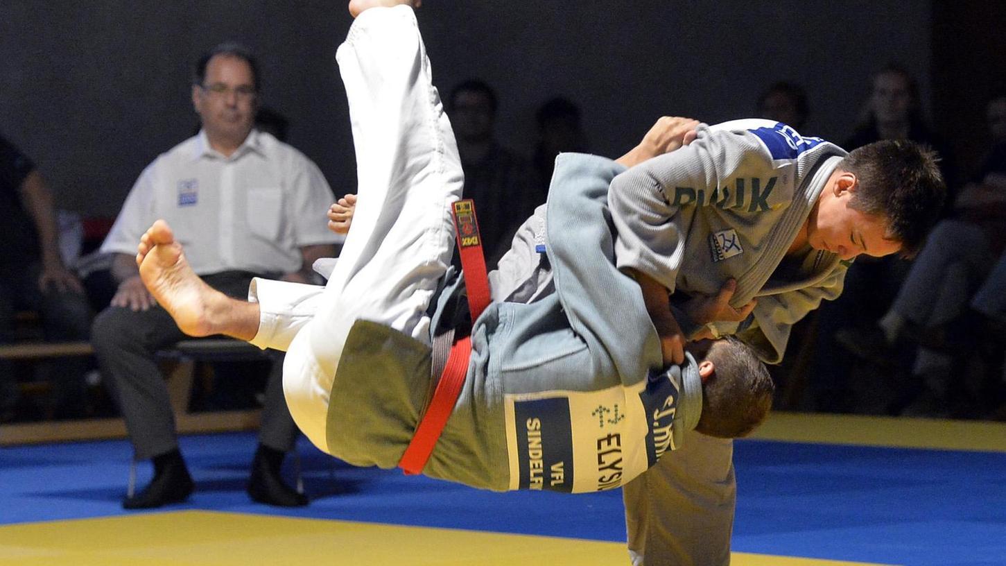 18 Jahre alt und schon so stark wie die Großen: Dominik Röder (re.) ist eines der größten Talente der Erlanger Judoka.