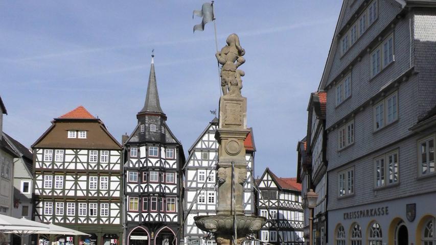 Altstadt von Friztlar, Marktplatz, Fernradweg Ederradweg
