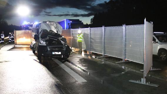 Tödlicher Auffahrunfall: Transporter rammt 40-Tonner auf A6