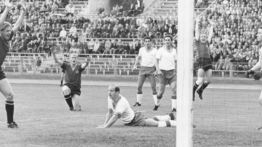 Am 6. Spieltag der 1. Bundesliga-Saison 1965/66 gelang dem Club gegen Tasmania Berlin ein wortwörtlicher Befreiungsschlag, als...