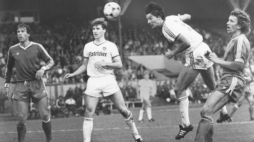 Vier Jahre später hieß es wieder Zweite Fußball Bundesliga für den 1. FCN. Das Heimspiel gegen Fortuna Köln dürfte aber in bester Erinnerung geblieben sein, mit 6:0 fegten Günter Güttler (drei Tore) und Co. die Domstädter aus dem Stadion.