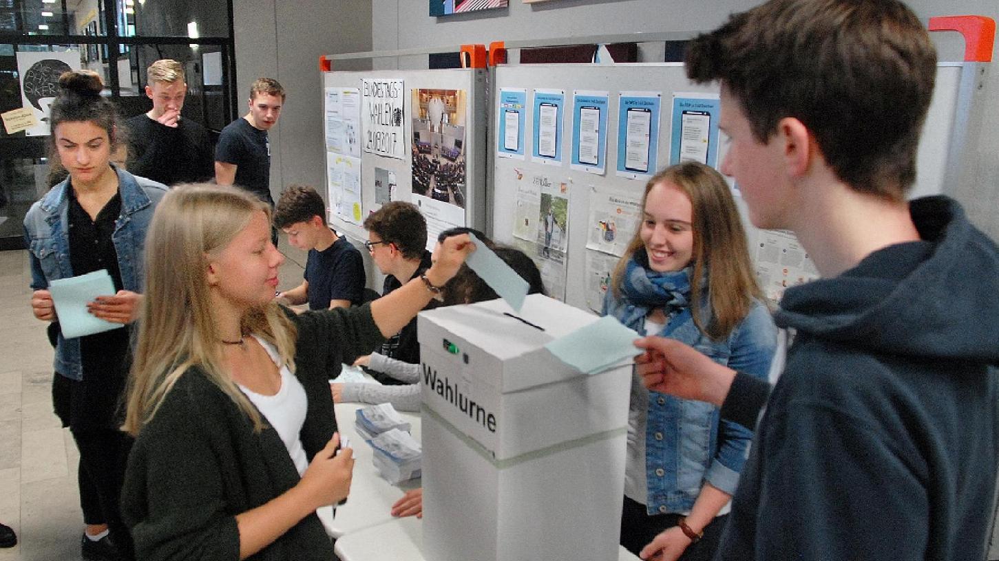 Schon am Mittwoch nahmen über 400 Schülerinnen und Schüler an der Juniorwahl zum Bundestag teil.