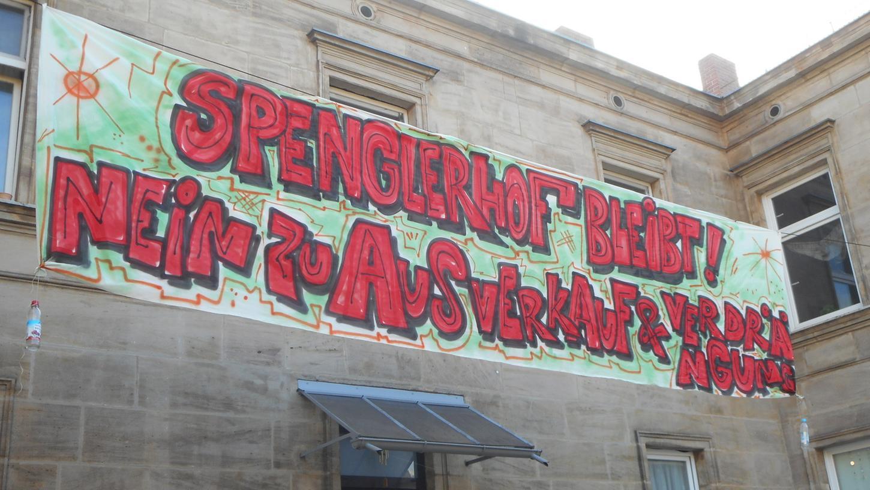 Die Mietparteien des Anwesens Spenglerstraße 13 und 13a in Gostenhof wollen für den Erhalt ihres Gartens kämpfen.