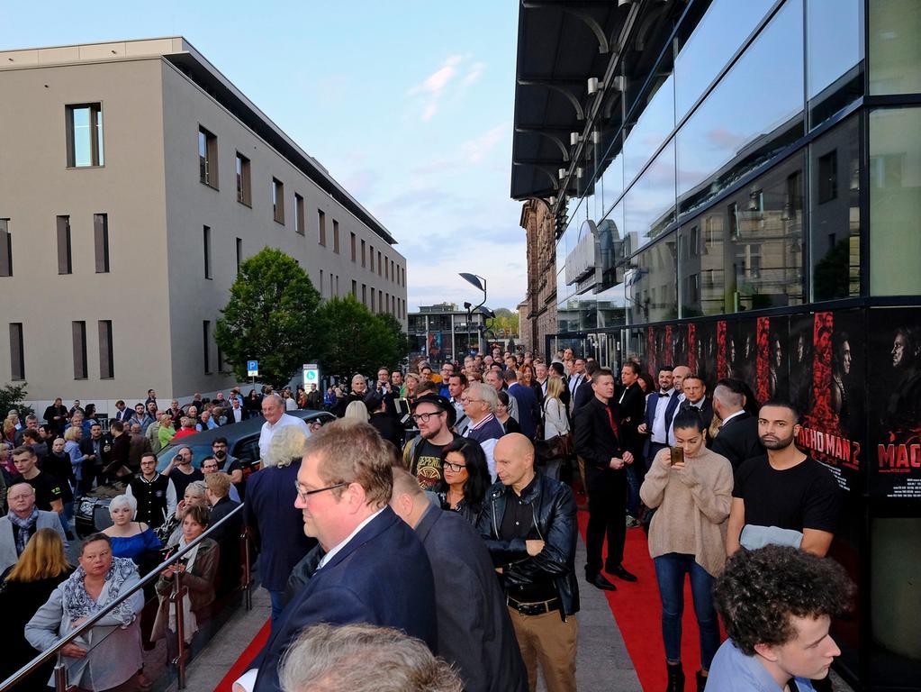 Anzeiger..Foto: Guenter Distler..Motiv: Macho Man 2-Premiere mit rotem Teppich; Cinecitta; 27.09.2017