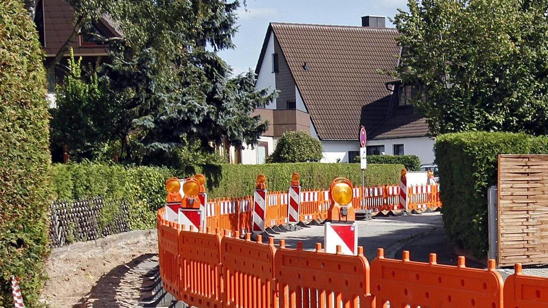 In Kommunen, die eine entsprechende Satzung haben, zahlen die Bürger beim Straßenausbau mit.