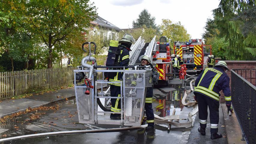 Brand Altdorf Schopperstr., Brand im Treppenhaus eines Einfamilienhauses, keiner verletzt, 04.10.2017, ToMa/Harmaz