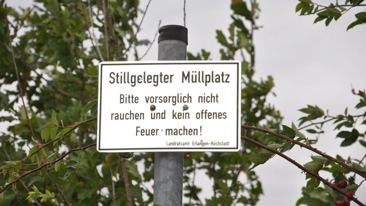 """""""Keine Gefährdung des Grundwassers"""", heißt es zwar. Trotzdem will der Landkreis Erlangen-Höchstadt die Altdeponie in Lonnerstadt für rund 800 000 Euro sanieren, weil Schadstoffe ins Wasser gelangen können."""