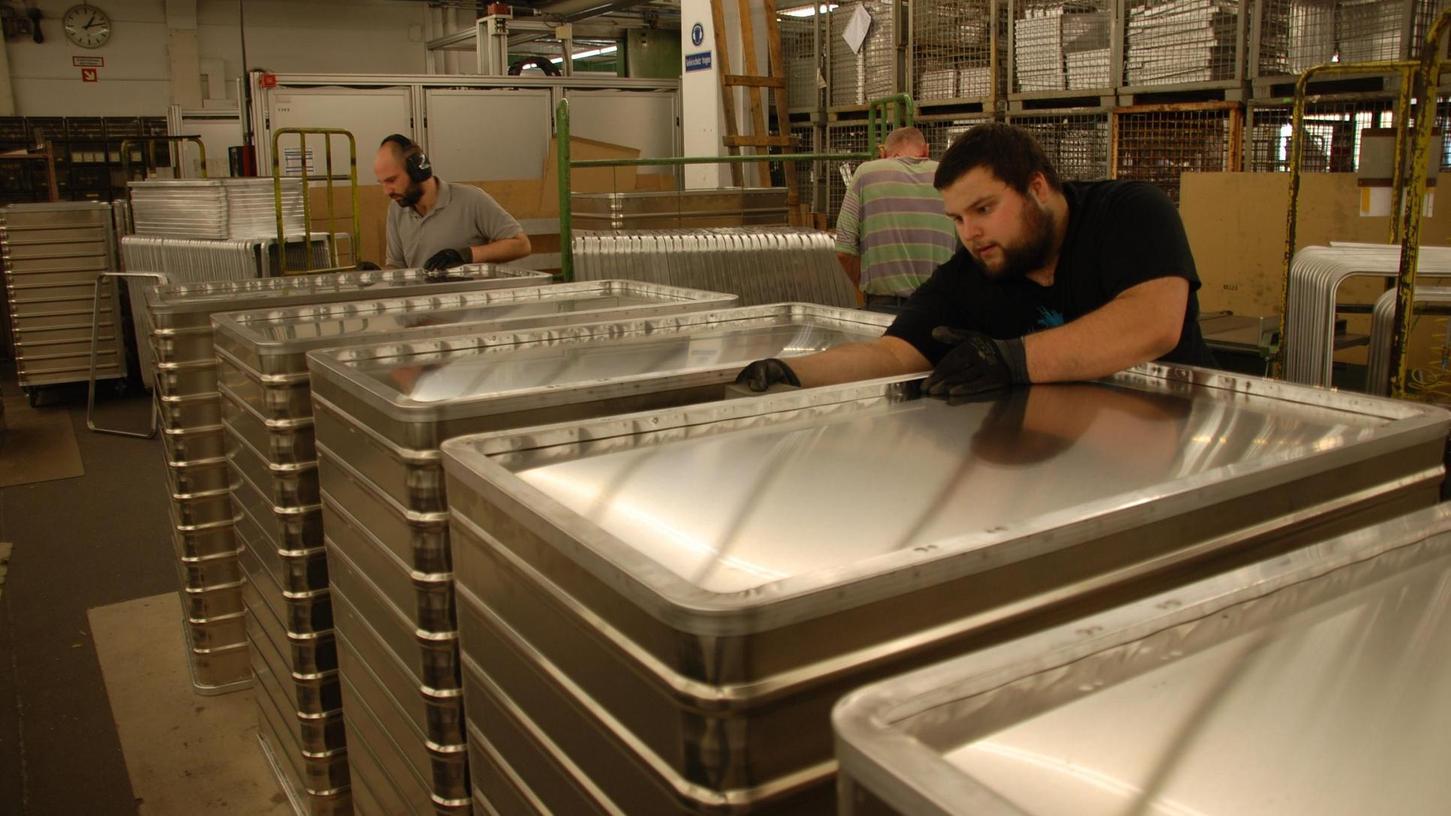 Robust und langlebig sind die Aluminiumboxen und -wagen, die bei der Gmöhling Transportgeräte GmbH in Stadeln gefertigt werden. Von dort werden sie in alle Welt verkauft.