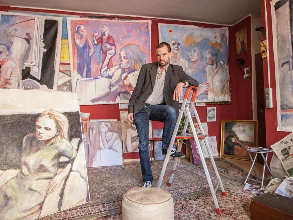 Sein Atelier hatte Andreas Lehmeyer bewusst nicht aufgeräumt, weil er wollte, dass man es authentisch vorfindet.