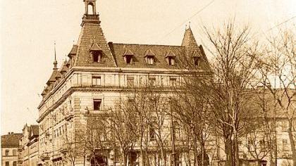 Das Parkhotel in der ersten Hälfte des 20. Jahrhunderts: Eine Nachbildung dieser Fassade könnte nach Vorstellung der Fürther CSU dem Neubau des Einkaufszentrums vorgeblendet werden.