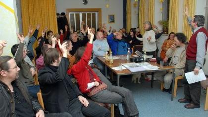 Einigkeit demonstrierten die Gründungsmitglieder der neuen Bürgerinitiative bei ihrer Versammlung im Saal der Landeskrichlichen Gemeinschaft.