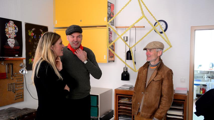 Fürther Künstlerinnen und Künstler luden ein zum Gastpiel 2017 und bekamen jede Menge Besuch. Hier in der Kaiserstraße 173 (Clinc) im Atelier von Lutz Krutein (Mitte).